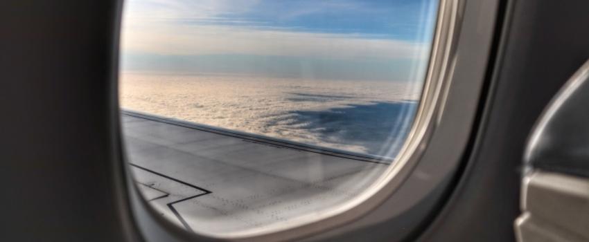 Pourquoi les hublots des avions sont-ils de forme ovale?