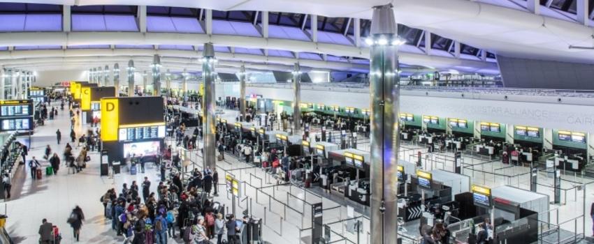 Grèves aux aéroports de Stansted et d'Heathrow, à Londres, cet été